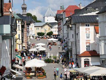 Bad Toelz Marktstrasse Copyright Archiv Tourist Information Bad Toelz Web