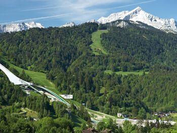 Garmisch Partenkirchen Neue Schanze Sommer Panorama Gil Copyright Gapa Web