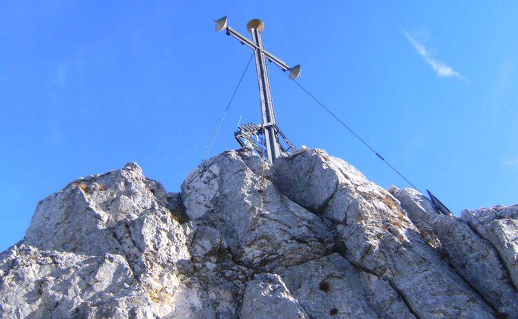 Gedenkkreuz Fuer Die Gefallenen Des Chiemgaus Auf Der Kampenwand Copyright Chiemsee Alpenland Tourismus Web