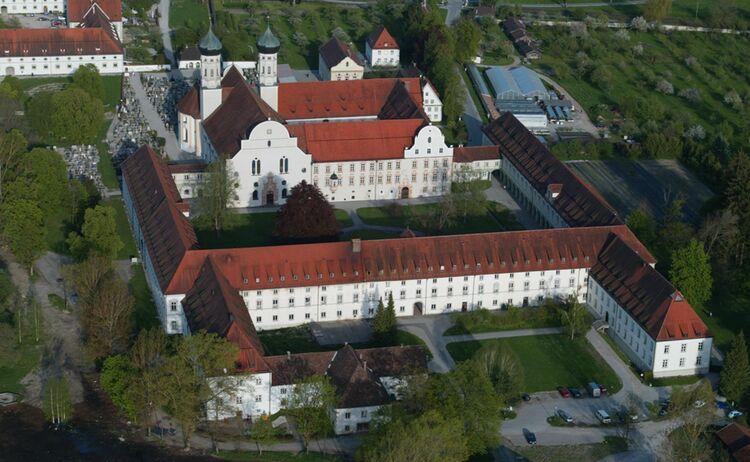 Toelzer Land Kloster Benediktbeuern Copyright Toelzer Land Tourismus Web