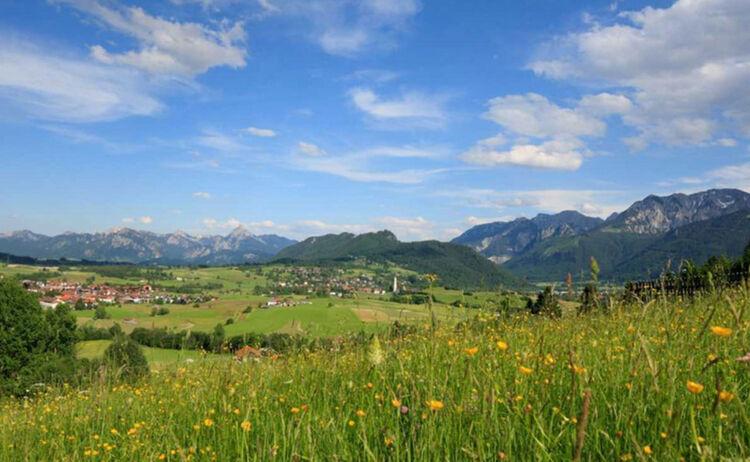 Allgaeu Koeniglich Pfronten Aussicht Auf Saeuling Copyright Pfronten Tourismus Web