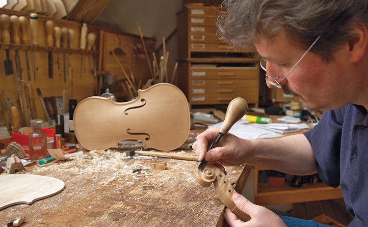 Geigenbauwertstatt Pierre Chaubert Foto F Ssen Tourismus Und Marketing