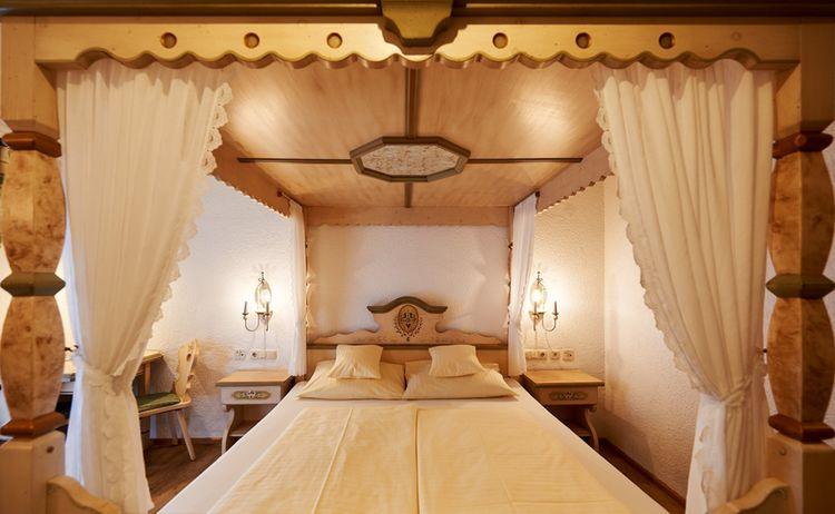 Hotel Restaurant Adler Himmelbett Zimmer