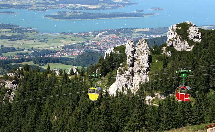 Kampenwandseilbahn In Aschau Im Chiemgau Mit Blick Auf Den Chiemsee