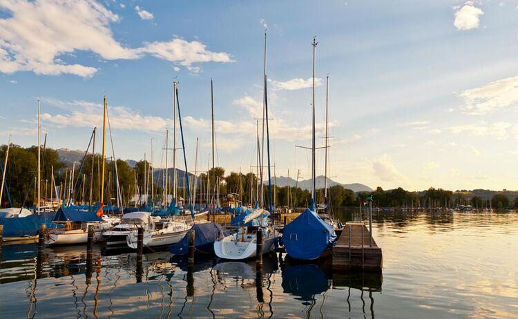 Segelboote Am Chiemsee Vor Kampenwand Copyright Chiemsee Alpenland Tourismus Web